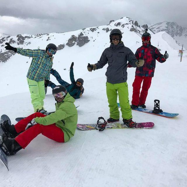 Dia incrvel na montanha!  serrechevalier frana ski snowboard friendshellip