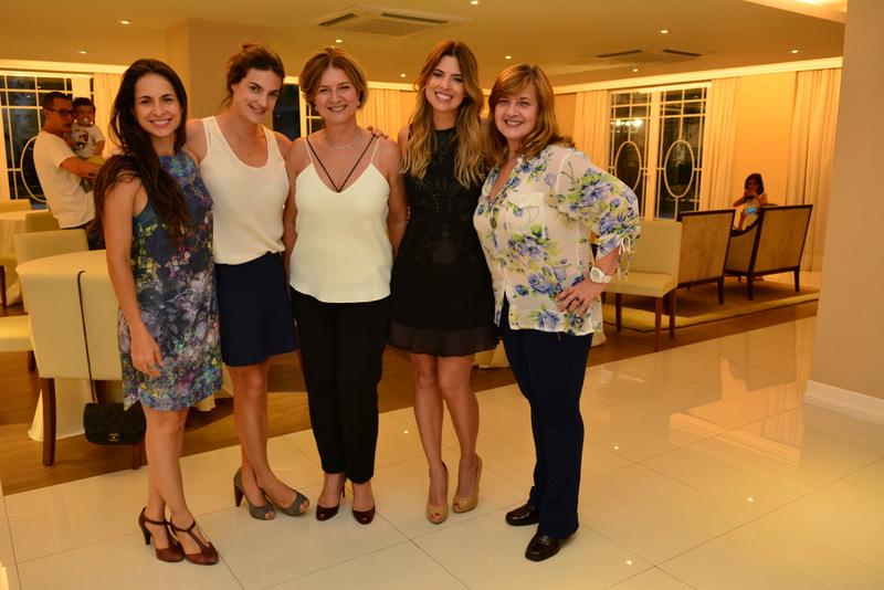 Vivian, Daniela, Nancy, Patricia e Vera Mattos