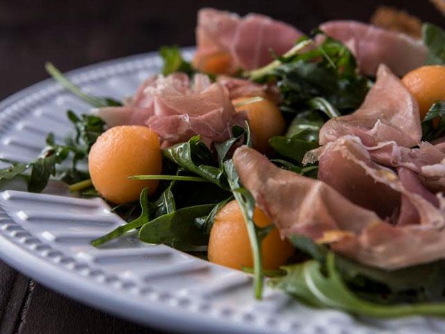 salada-prosciutto