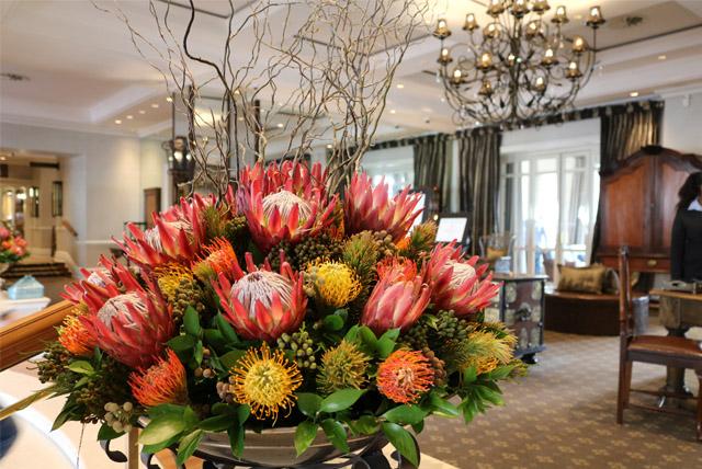 As flores da entrada do Cape Grace