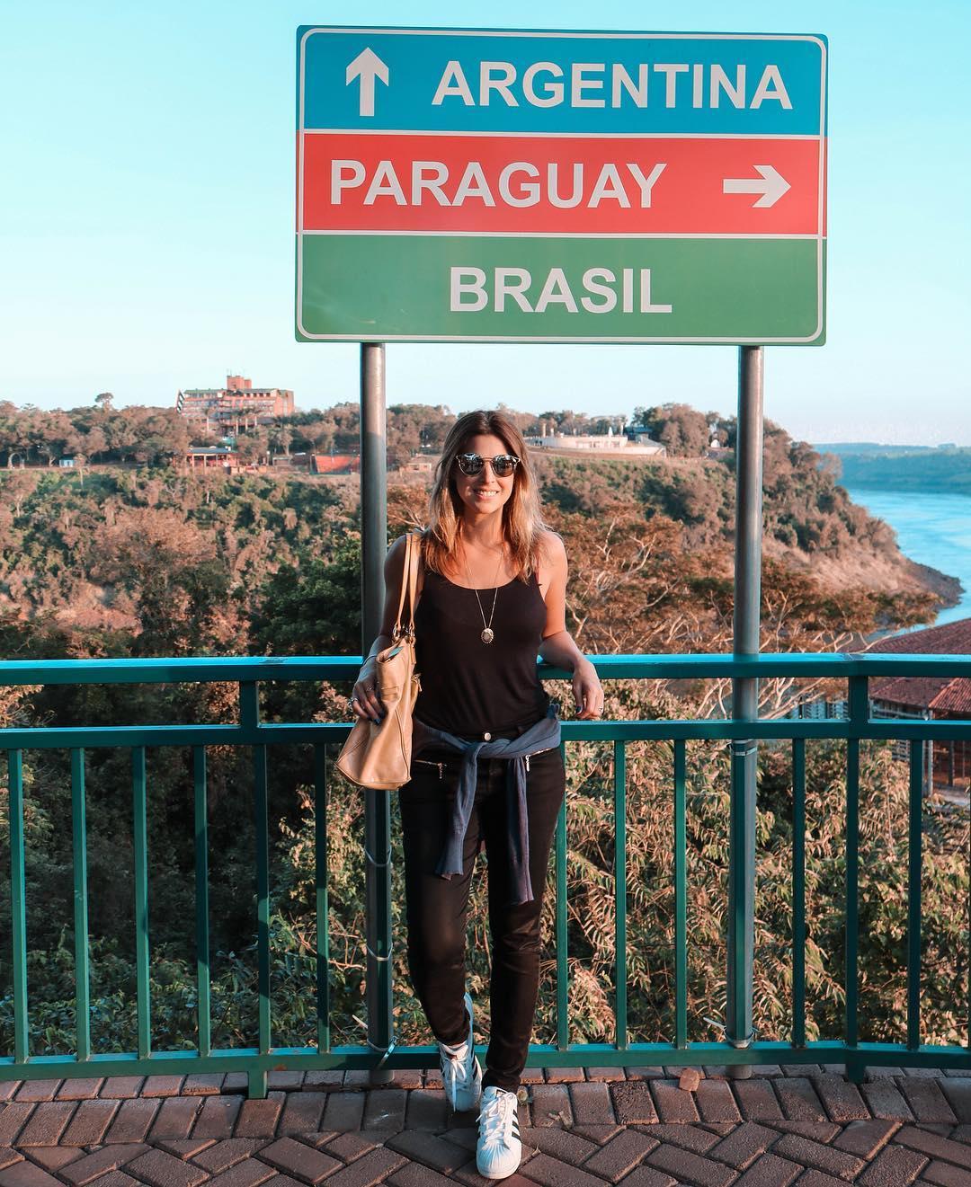 Marco das 3 Fronteiras - Foz do Iguaçu • Um dos principais símbolos da região foi inaugurado em 20 de julho de 1903 e estabelece a soberania e o limite territorial do Brasil com a Argentina e Paraguai. . . #leblog #fozdoiguacu #turismoemfoz #brasil #cataratas #travelblogger