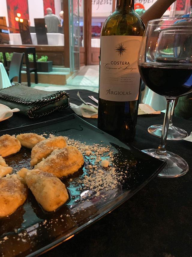 Culurgiones e vinho