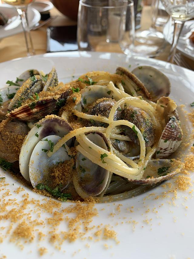 spaguetti com vongole e bottarga (restaurante Il Pirata em Capriccioli) (2)