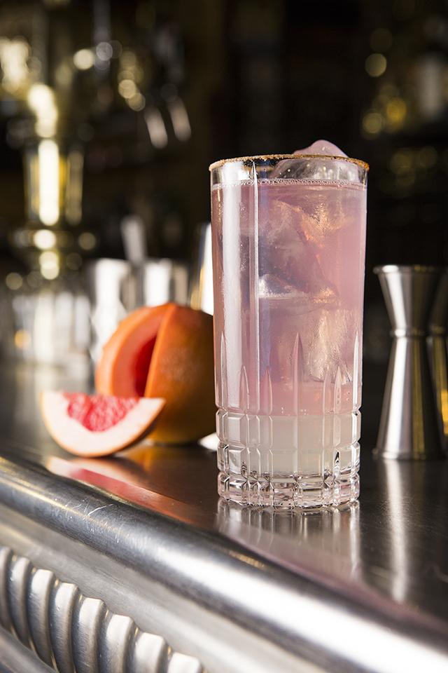 VIVA MADRID cóctel Paloma (tequila blanco, zumo de lima, sirope y refresco de pomelo) @ Acción y Comunicación