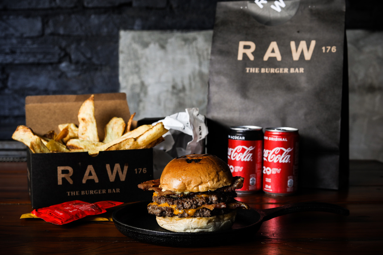 COMBO BACON - RAW - CREDITO JULIA GUEDES