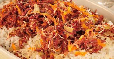 Arroz-de-forno-com-carne-seca-e-cenoura