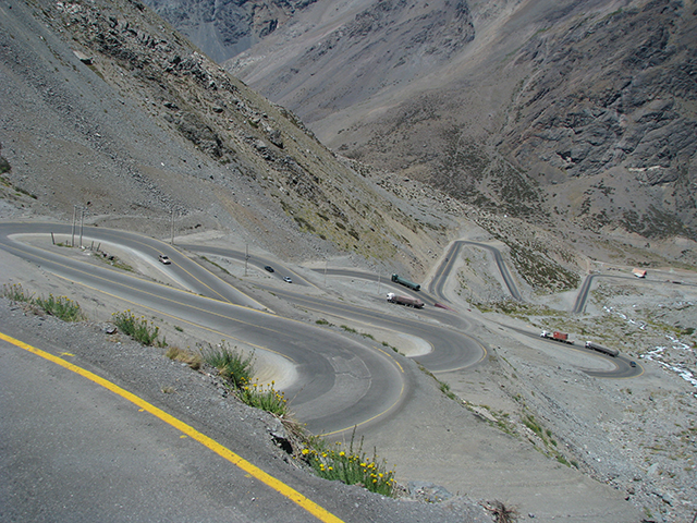 A dangerous road between Argentina and Chile