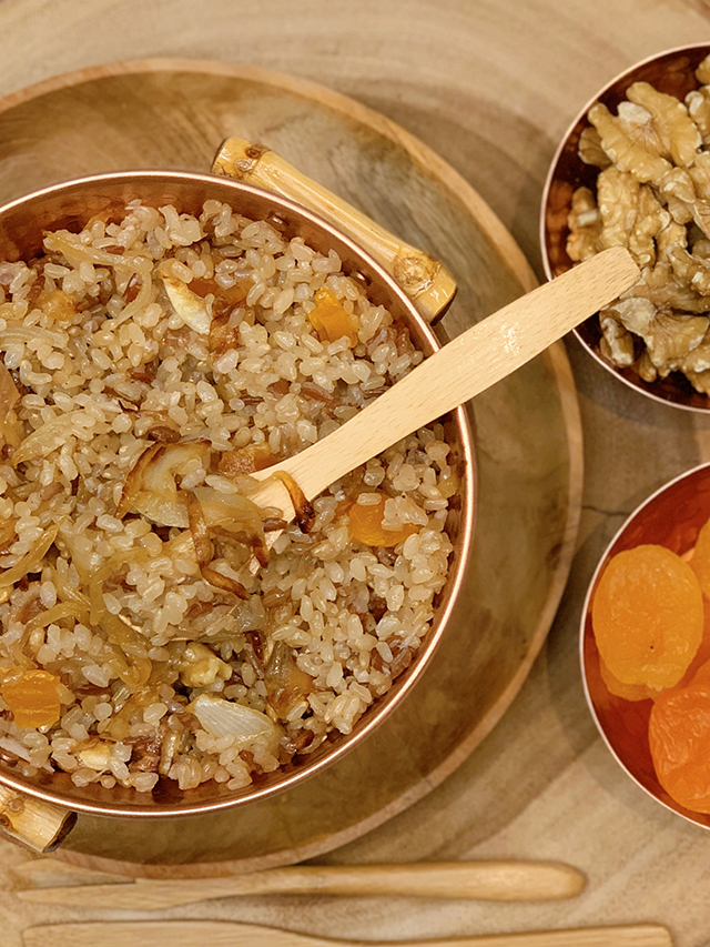 arroz-integral-cebola-caramelizada-nozes-damasco (1)