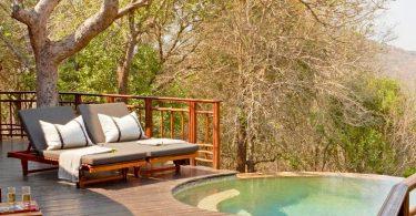 thanda-safari-lodge-private-deck-and-pool